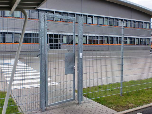 The Dictator RTS provides an elegant, discrete solution to the problem of ensuring that gates are closed safely.